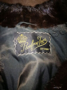 Renfrew Fur - Black Mink - Ladies Coat - BEST OFFER - ESTATE Cambridge Kitchener Area image 2