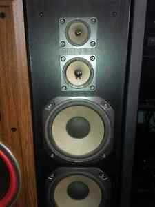 old par of Fisher speakers made in Canada