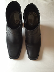 Kenneth Cole Reaction Leather Ankle Boot