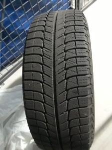 4 Pneus d'hiver Michelin Ultra Grip Winter 205/55R16