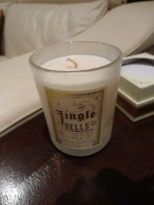 NEW Jingle Bells Enticingly Aromatic Candle - Vanilla Chestnuts Kitchener / Waterloo Kitchener Area image 4