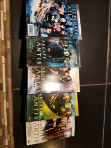 Séries DVD Star Gate, Star Gate Atlantis et Dead Zone