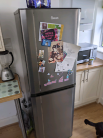Swan freestanding Fridge Freezer