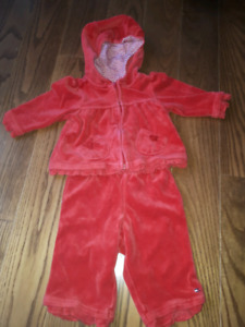 Tommy Hilfiger 2 piece outfit Size 3-6 months