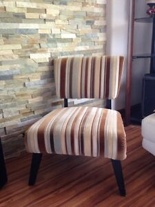 Chaise basse, fauteuil