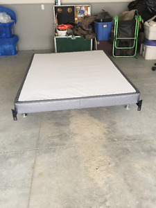 Low profile queen box spring and metal frame