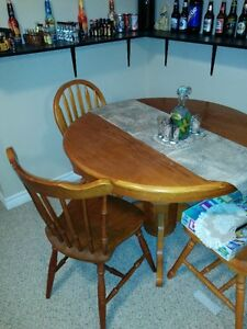 table with 3 chairs asking 125.00 Kitchener / Waterloo Kitchener Area image 1