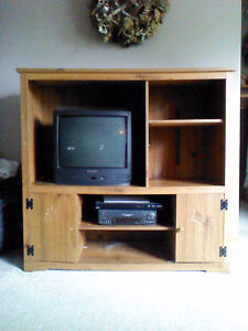 Unit/TV/DVD player for sale.