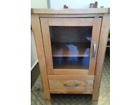 Solid Oak 2ft Glass Display Unit. Excellent Condition. Really Nice!