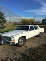 Cadillac Fleetwood Brougham de Elegance White from 1989
