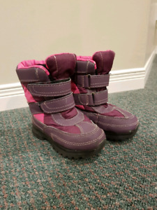 Toddler Girls Winter Snow Boots (size 9)