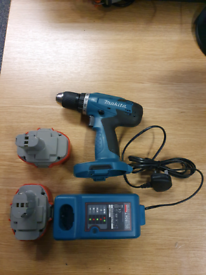 Makita Driver Drill 18V 2xBatteries and Charger