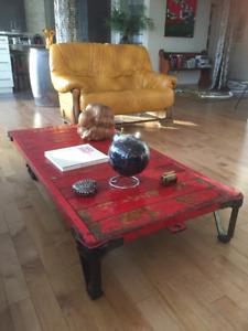 Table basse industrielle.