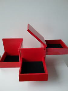 JEWELRY BOX / COFFRE A BIJOUX