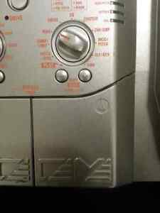 Zoom bass 607 multiple effects pedal  London Ontario image 3