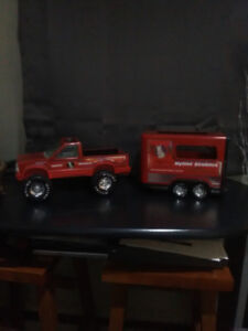 nylint toy truck and horse trailer