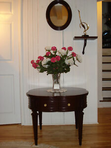 Table d'appoint, bois massif ( avec tiroir )