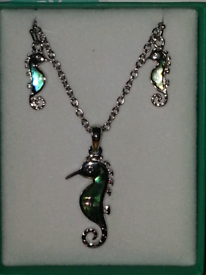 Tide jewellery Paua shell seahorse earrings and necklace set