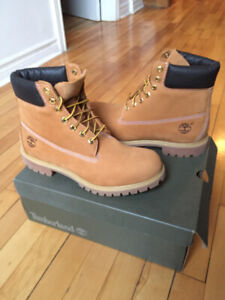 New Timberland 6-Inch Premium Boots (Size: 10 Men)
