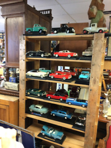 Huge Lot (100) of Die-Cast Muscle & Classic Cars