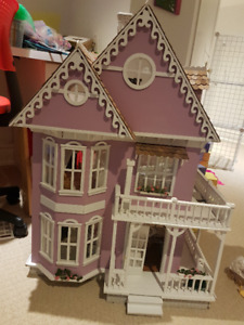 Beautiful Dollhouse with Cedar Roof-INCLUDES furniture!