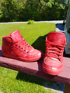 Youth Adidas high-tops Size 6