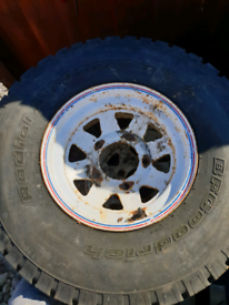 Land rover wheels and tyrs