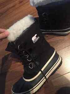 Black Sorel winter boots size 10 London Ontario image 3