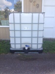 Rain water/liquid storage