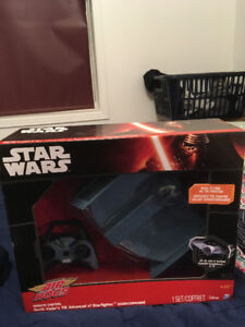 STAR WARS Darth Vader's Advanced x1 star fighter air hog