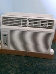 NOMA 12,000 BTU Air conditioner