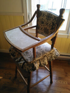 Chaise haute antique