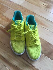Reebok - Size 6.5 - dance sneaker