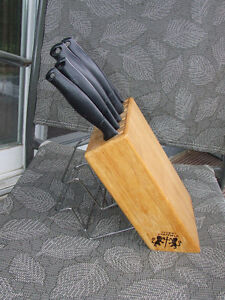 Regent Sheffield Knife Block & Knives - $25.00 Belleville Belleville Area image 3