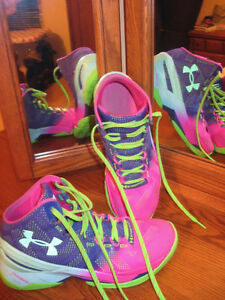 UNDER ARMOUR CURRY TWO - Basketball shoes - sz.8.5 London Ontario image 3