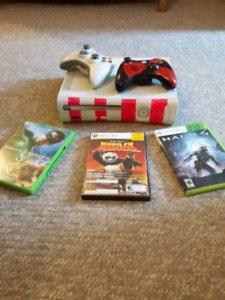 Xbox 360 2 controllers and 3 games