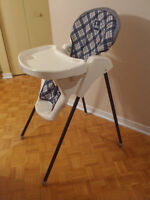 Very good condition high chair/ chaise haute 20$