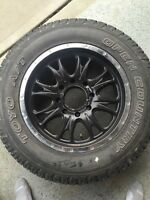 (4) LT275/65/20 Toyo Open Country A/T tire