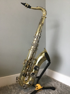 Yamaha YTS-23 Tenor Saxaphone incl. case, strap, reeds, and more