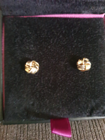 9ct white and yellow gold earrings, never worn