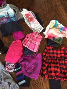 Lot de vêtements pour fille (4 ans)