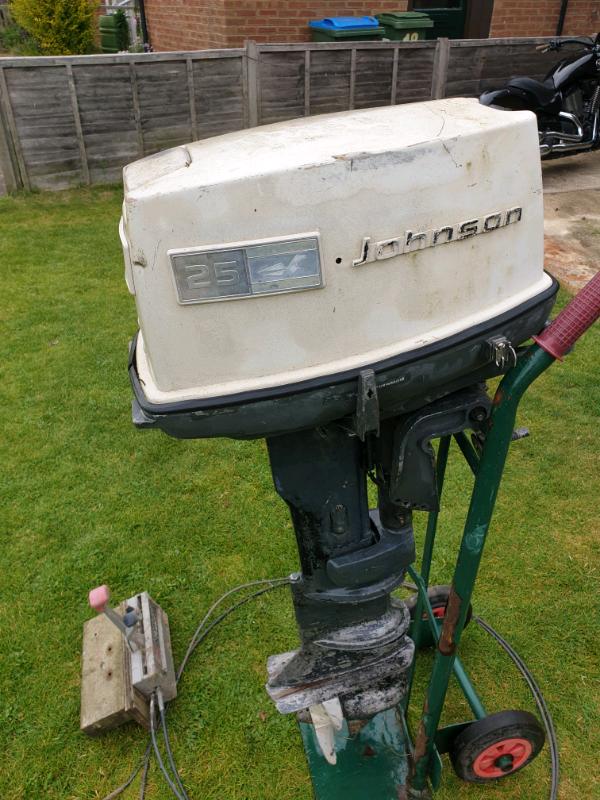 Johnson 25HP two stroke outboard  Spares/repair   in Aylesbury,  Buckinghamshire   Gumtree