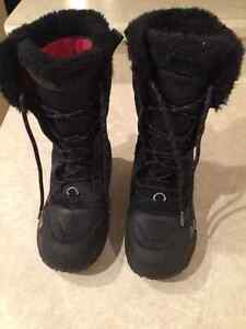 Girls North Face Winter Boots - Size 3
