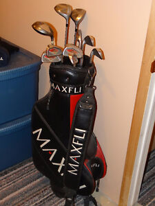 Golf Clubs & MaxFli Golf Bag