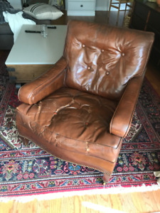 ANTIQUE LEATHER 1930's CLUB CHAIR