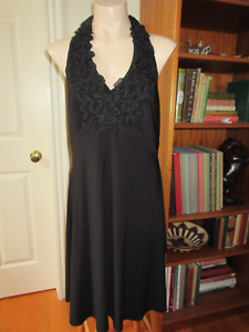 Elegant black Joseph Ribkof dress Size 16 Perfect for travel