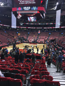 RAPTOR TICKETS FIRST LEVEL 8th ROW BASELINE