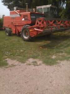 MF860 Combine , 20ft header . Good condition,  5000 obo