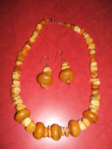 LARGE CHUNK AND POLISHED EGG YOLK AMBER SET EARRINGS NECKLACE