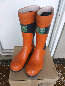 Acton  Caulk Boots - Size 8